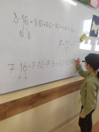 Zabawy z matematyką w '' Dniu Matematyki''.